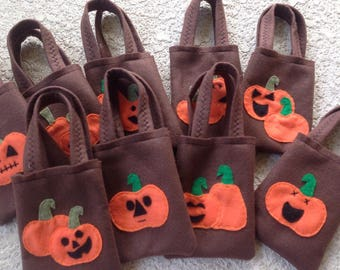 TRICK OR TREAT Halloween felt party favor bags !! Set of 5 bags