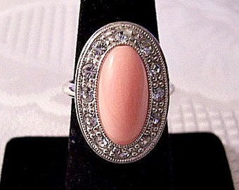 Avon Pink Coral Marbled Rhinestone Ring Silver Tone Vintage Pale Fire 1974 Adjustable Sizer Oval Domed Center Bead
