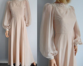70s vintage dress, long maxi floor length, cream summer wedding dress, french retro, long wide sleeves, chiffon layered, x small