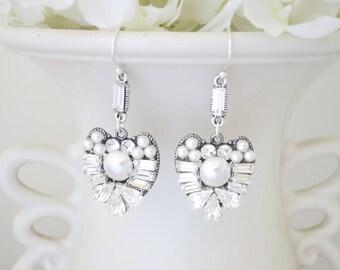 Heart shape bridal earrings, Rhinestone earrings, Crystal baguette wedding earrings, Vintage style, Swarovski crystal and pearl earrings