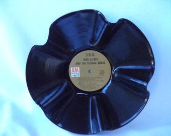 1966 HERB ALPERT & le Tijuana Brass S.R.O. Vinyl Record bol. Disque vinyle recyclé. Bol de disque. Herb Alpert Fan cadeau. Amateur de Jazz latin