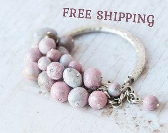 Pink beaded bracelet, Pale pink bracelet, Pink charm bracelet, Pink bangle bracelet, Light pink bracelet, Pink rose bracelet