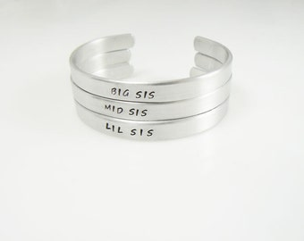 Big Sister, Little Sister, Middle Sister,  Set of 3, Personalized Cuff, Jewelry, Big Sis, Mid Sis, Lil Sis, Sisters Bracelet Christmas Gift