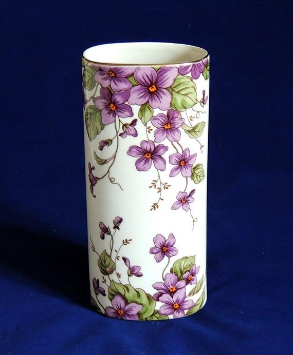 Vintage Lefton China Vase With Original Label.. Violets
