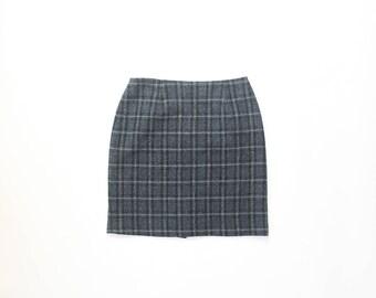 90s Plaid Mini Skirt 1990s Black Blue Winter Wool Autumnal Schoolgirl Prep Collegiate Preppy Pencil Hourglass Knee Length Wiggle Tweed Small