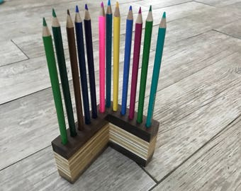 12 Count L Shaped Pencil Holder