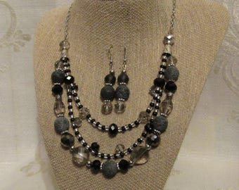 Glamorous Black Natural Stone Beads necklace