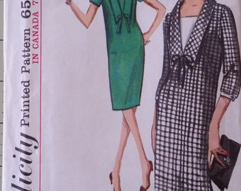 Simplicity 5740, size 12, bust 32, shift dress with detachable vestee and cuffs.