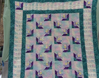 Spring Picket Fence and Posy Lap Quilt, almost Vintage 0324-01