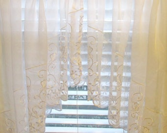 Vintage White Embroidered Lace Swag - Sheer White Lace Curtain - Made In Turkey