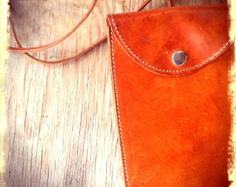 FOLD    ///   Leather Shoulder Pouch