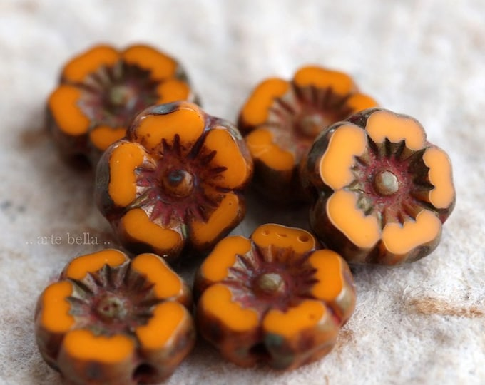 ORANGE PANSY 7mm .. NEW 6 Picasso Czech Glass Flower Beads 7mm (6303-6)