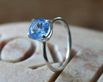 Sparkly Aquamarine Ring 8 mm in Sterling Silver, Prong Set Faceted Gemstone, Size 2 to 15, March Birthstone, Blue Birthstone, Womens Jewelry