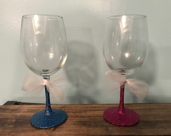 Glitter Wine Glasses with Simple Tulle Bow