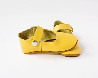 Yellow Baby Shoes, Pineapple Baby Shoes, Baby T-Straps, Leather Baby Shoes, Newborn Crib shoes, Baby Gift, First Walkers, Baby Shoes