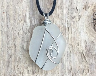 Wire wrapped, seaglass pendant necklace