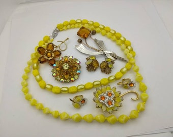 Jonquil Jewels Sabrina  Glass  Brooch and Clip Earrings Mint Condition Yellow Ambers lot