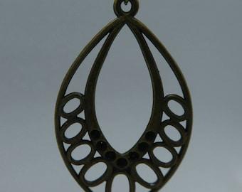 Hanging Earring in Bronze