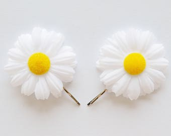 Set of 2 White Daisy Flower Bobby Pin - Spring and Summer Hair Clip, Flower Daisy Hair Clip, Flower Hair Accessory, Floral Hair Accessories