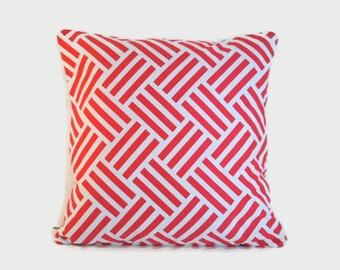 Pink Geometric Pillow Cover. 18x18 cushion. Geometric decor. Nursery decor. Modern pillow. Accent pillow. Throw pillow. Pink nursery decor