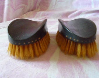 Vintage Pair of Gentleman's Brushes, Made of Real Ebony, Natural Bristle, 1920s