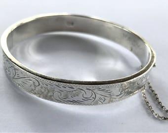 Vintage Sterling Silver Etched Hinged Bangle Bracelet