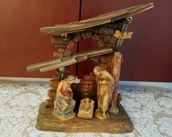 Anri Woodcarvings Karl Kuolt Nativity with Mary, Joseph and Baby Jesus in Creche