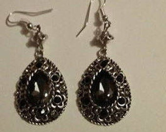 Earrings - chic and couture 80's