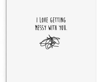 Ich liebe es, immer mit Ihnen chaotisch. Lustige, süße, freche, freche Karte für Freunde, Liebhaber!