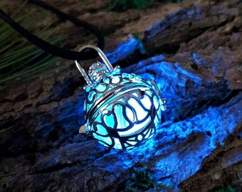 Glowing LED Necklace, Ball locket, Glow In the Dark, Rainbow luminescent Necklace