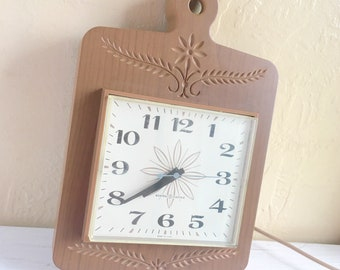 Vintage Faux Wood Atomic Clock Electric Working Wall Hanging with plug cord