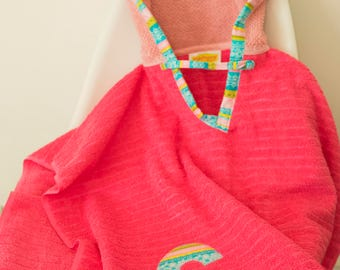 Hooded Towel Poncho, Personalized, in Bright Pink & Blush. Boy or Girl print (your choice). Bath Towel. Beach towel.