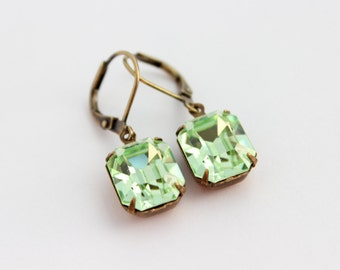 Chrysolite earrings, Green Swarovski earrings, light mint earring, pale green earrings, spring wedding, octagon earrings, mint green wedding