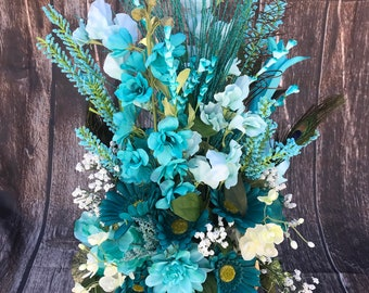 Antler Floral | Turquoise | Centerpiece | Antler Decor | Table top Decor | Lodge Decor | Cabin Decor | Rustic  Decor | Floral Arrangement