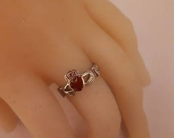Claddaugh ring silver size 7 heart love friendship