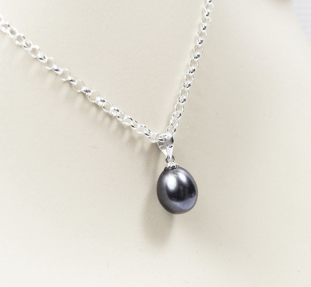 Black pearl necklace single black pearl pendant bridesmaid zoom aloadofball Image collections