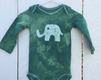 Elephant Baby Gift, Elephant Baby Bodysuit, Green Elephant Bodysuit, Baby Shower Gift, Gender Neutral Baby, Green Baby Gift (6-9 months)