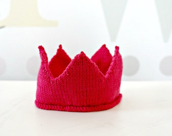 KNITTING PATTERN - Knitted Crown