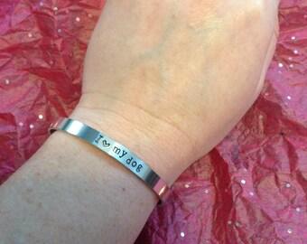 "Aluminum cuff bracelet ""I love my dog"""