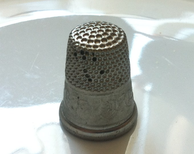 Vintage old metal thimble size 16 mm
