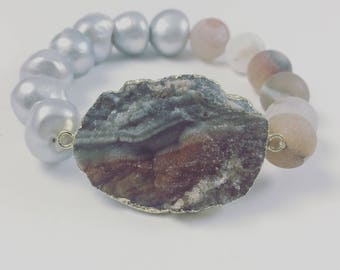 Agate and Freshwater Pearl Bracelet
