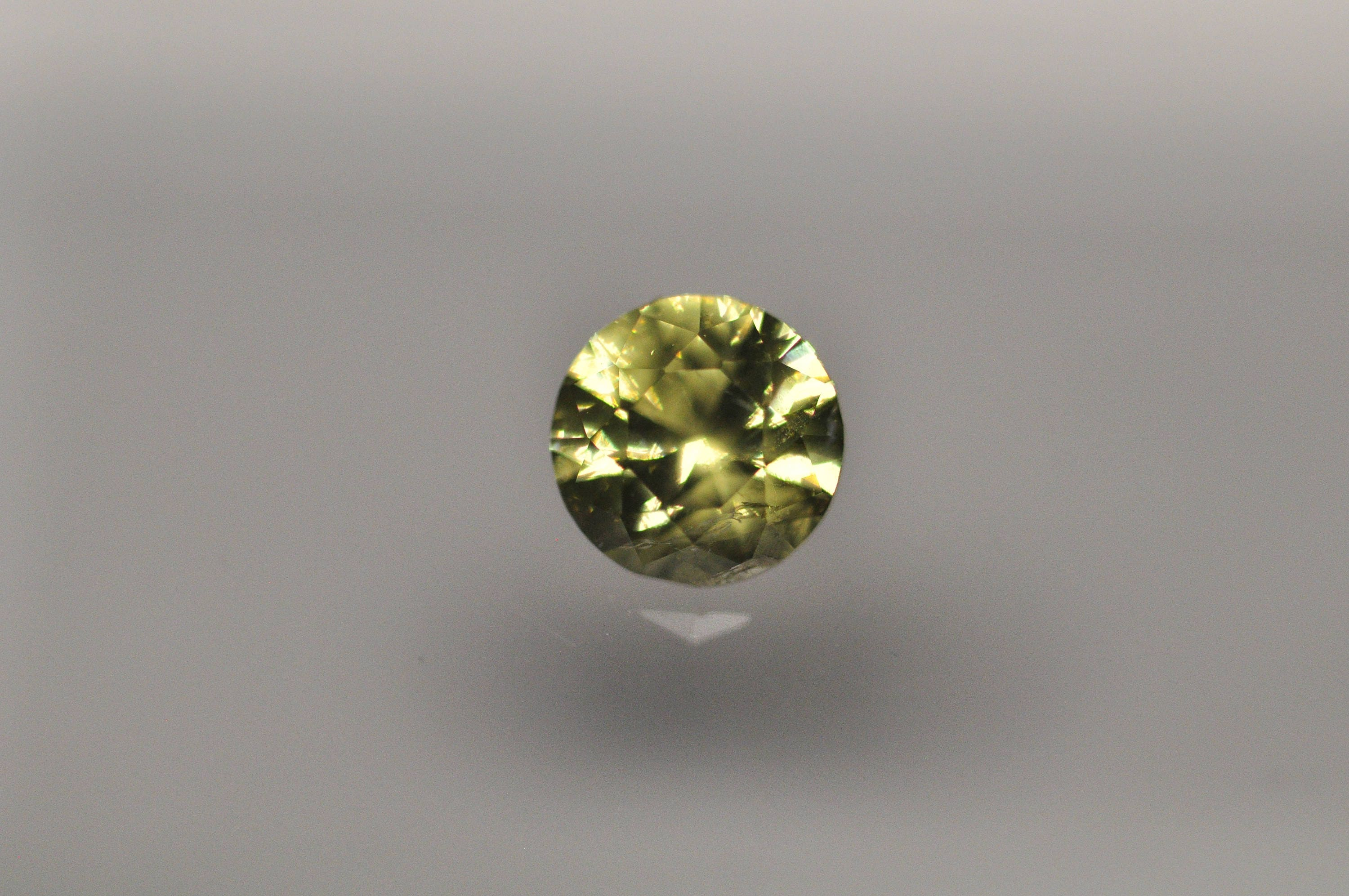 sapphire untreated ct i oval ceylon yellow ring diamond cut