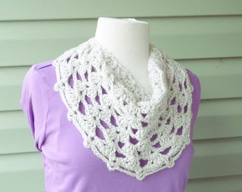 PATTERN C-029 / Crochet Pattern / Catalina Cowl - worsted 90 yards
