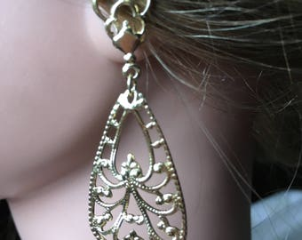 "Vintage 70's ""FILIGREE DANGLES EARRINGS""  Gold Toned - So Very Pretty"