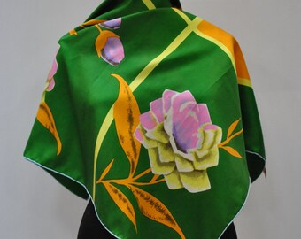 Vintage PRINTED SILK SCARF hand rolled silk scarf...(885)