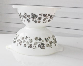 Vintage Black and White Gooseberry Pyrex Bowls- 441 and 442 Mutant