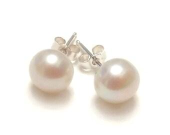 White Pearl Earrings, Pearl Studs Earrings, Pearl Studs for Gift, Pearl Studs Gift, Pearl Earrings, Pearl Stud Earrings, Pearl Earrings Stud