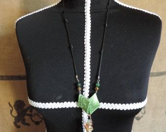 String necklace, aventurine