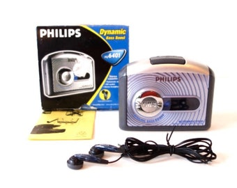 Philips AQ 6401 portable cassette player walkman  with original box 90tees