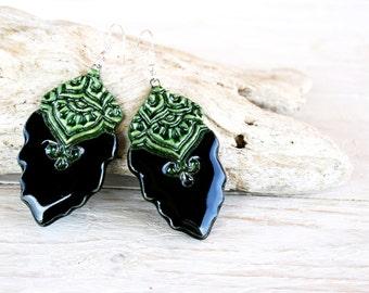 Handmade ceramic leaf earrings, Black and green earrings, Natural earrings, Clay jewelry, Ornamental earrings, Boho earrings,